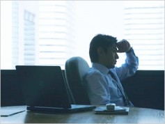 座る時間を減らして充分に運動すれば心不全のリスクは半減する