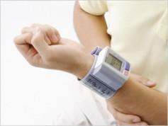 中年で血圧が高いと老後の認知機能低下リスクが高まる