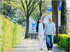 歩くスピードを上げれば、もっと長生きできるかも