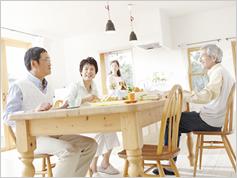 たんぱく質をたっぷり摂る高齢者は障害のリスクが低い