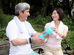 手足の筋肉量が低下した高齢者は死亡リスクが高まる!?