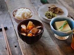 日本人が世界で最も長寿である理由:食と栄養からの考察