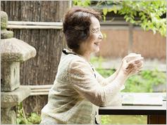 植物性たんぱく質を多く摂る女性は認知症の死亡リスクが低い